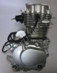 'Двигатель для трициклов Musstang MT150-250-4V 250 кубов
