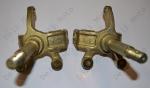Поворотный кулак (ЦАПФА) правый + левый Humer 125 (ось 17мм)